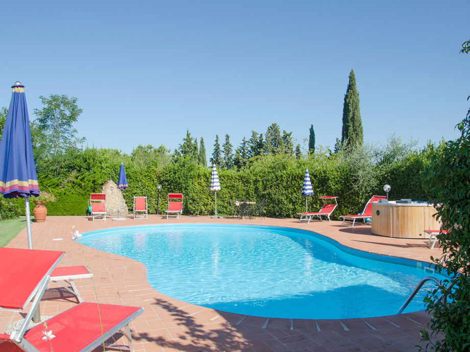 Lovely pool (approx. 12,5 m x 8,5 m)