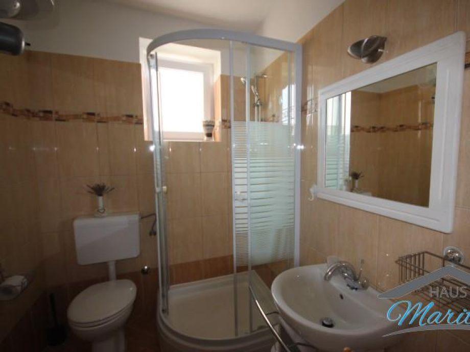 Badezimmer Toilette Separat  Ferienwohnung Ladonija, Porec, Istrien
