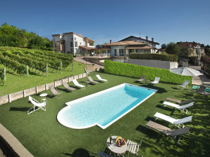 Holiday apartment la rosa gialla