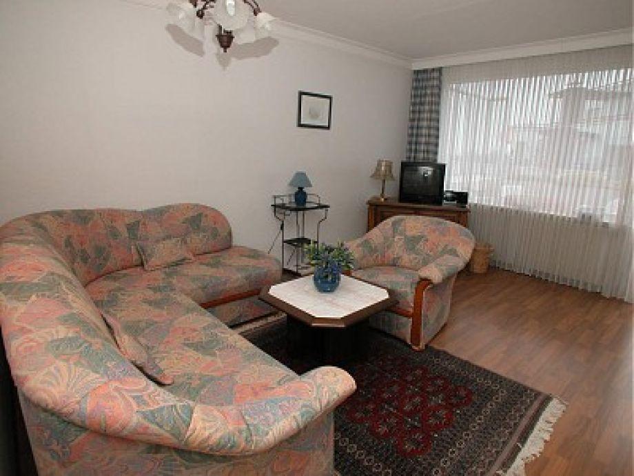 Wohnraum-Sitz-und Schlafgarnitur