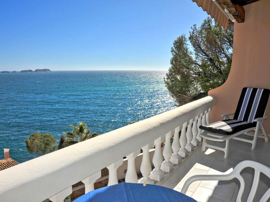 Balkon mit traumhaften Ausblick auf das Meer