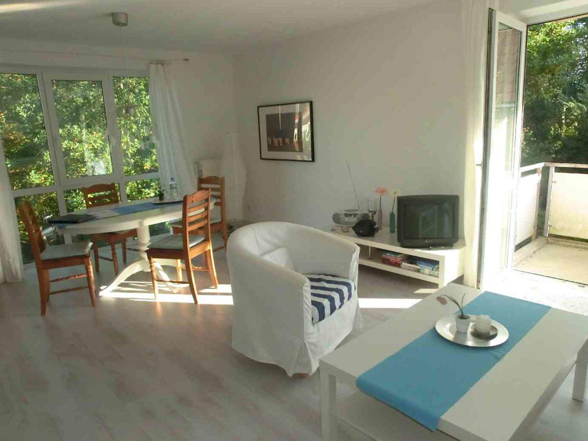 ferienwohnung atelierwohnung am kurpark hohwacht hohwachter bucht frau pfeil. Black Bedroom Furniture Sets. Home Design Ideas
