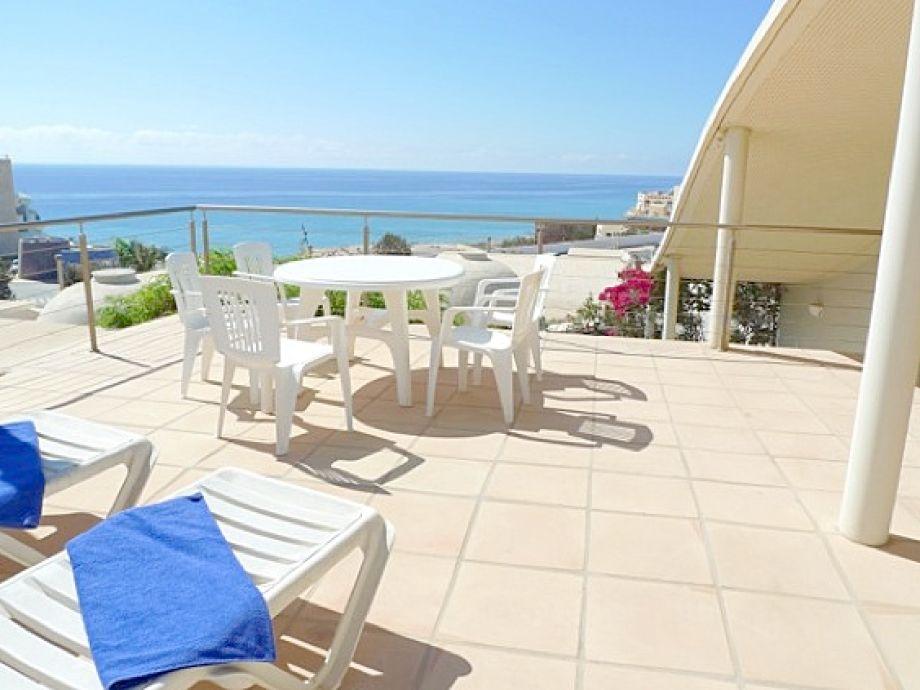 Wunderschöne Aussicht von der Terrasse der Villa Lucife