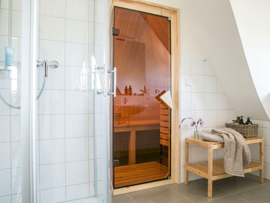 Badezimmer OG Mit Dusche Und Sauna