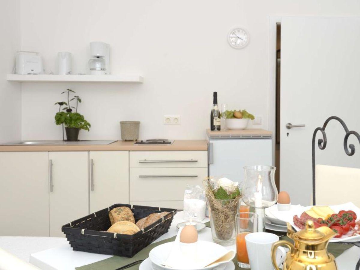 g stezimmer klein aber fein hamburg bramfeld firma bola best of living apartmenthaus. Black Bedroom Furniture Sets. Home Design Ideas