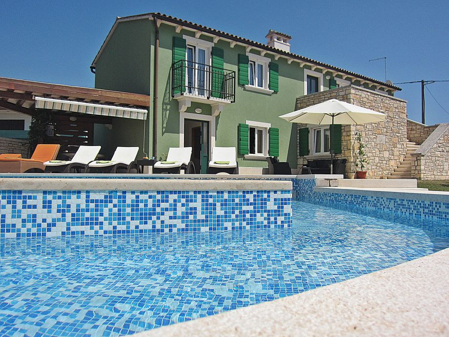 Villa Silvana- part of pool with less water for kids