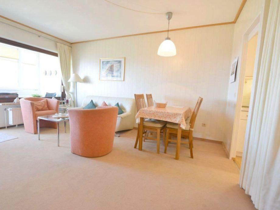 Wohnzimmer mit direkter Seesicht u. W-lan
