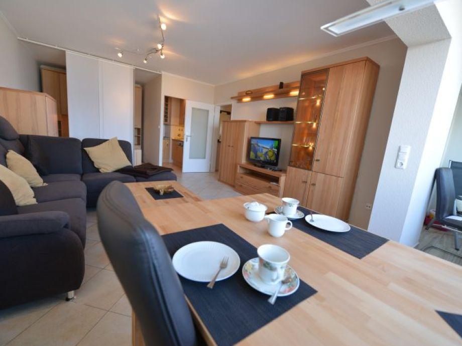 Wohnzimmer mit direkter Seesicht