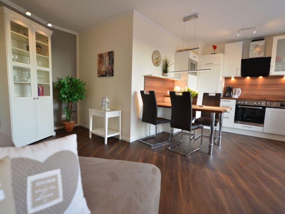 Wohnraum mit W-lan und Südbalkon 6.Etage