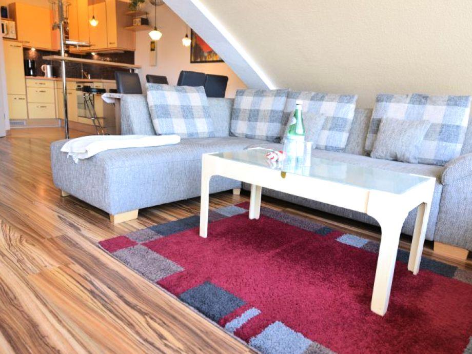 Offener Wohn- und Essbereich der Penthousewohnung