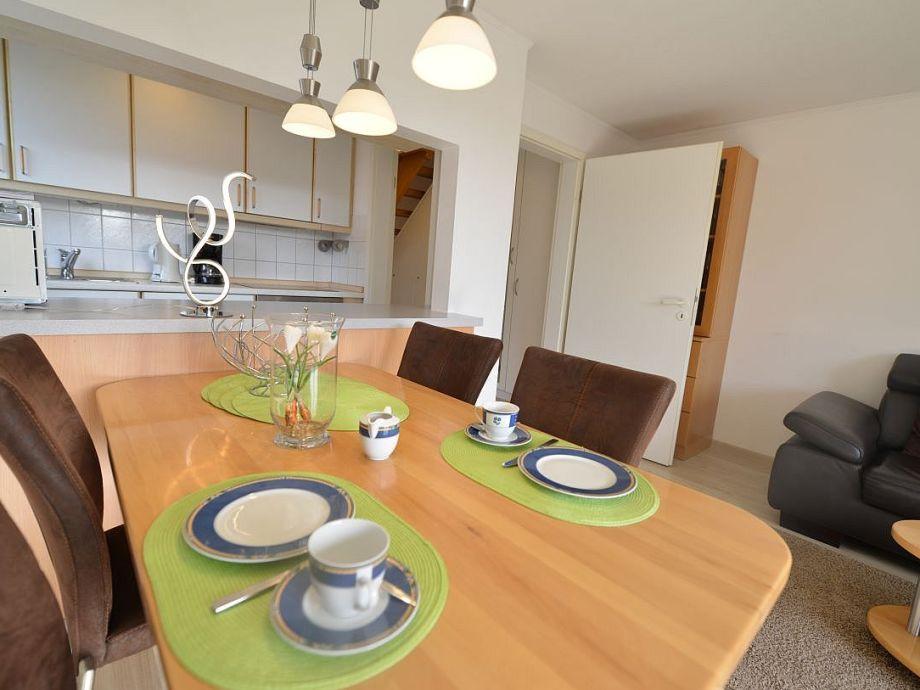 Esstisch mit Blick zur Wohnküche W-lan inklusive