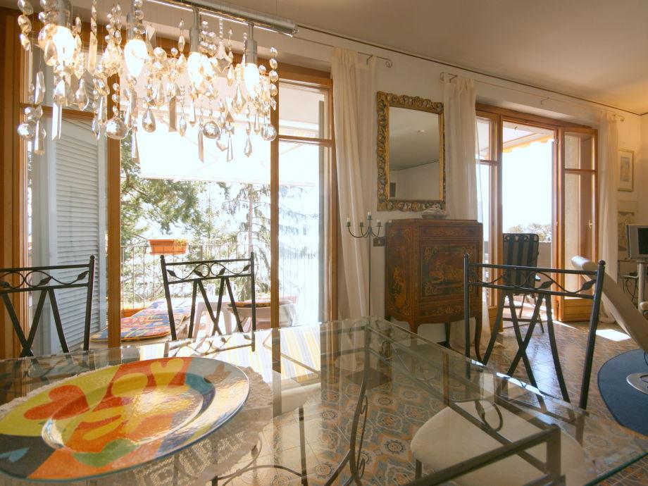 ferienwohnung yuri villa pascia lago maggiore italien firma la tua casa srl firma katia gioia. Black Bedroom Furniture Sets. Home Design Ideas