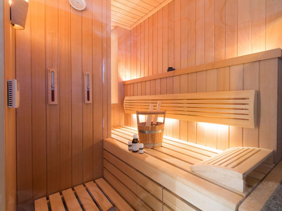 klafs sauna preis klafs ma anfertigung einer sauna nach ihrem wunsch ferienwohnung wellness. Black Bedroom Furniture Sets. Home Design Ideas