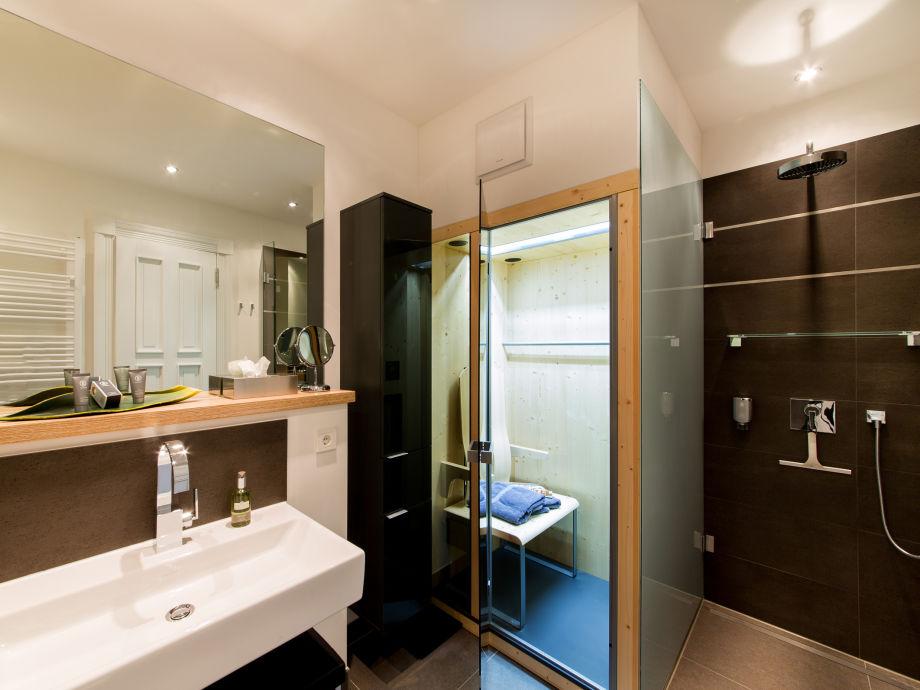 ferienwohnung wellness suite meine auszeit in der villa. Black Bedroom Furniture Sets. Home Design Ideas