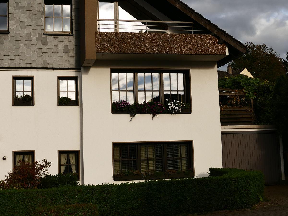 ferienwohnung ruhrlogis m lheim an der ruhr familie r hl. Black Bedroom Furniture Sets. Home Design Ideas