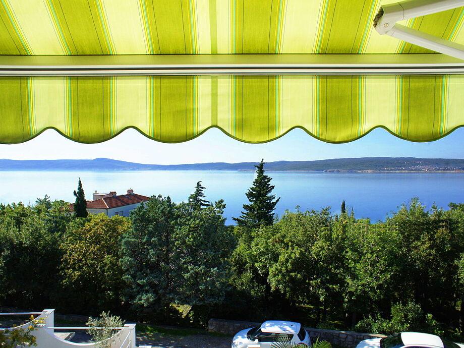 Balkon mit traumhaftem Meerblick
