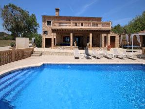Villa Ref. 130