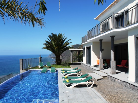 ocean cliff villa portugal madeira ponta do sol. Black Bedroom Furniture Sets. Home Design Ideas