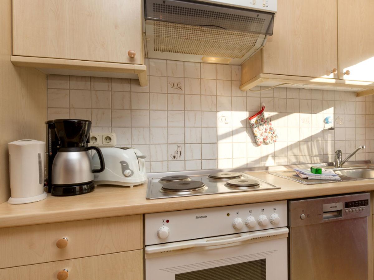 ferienwohnung sommerwind ostseebad binz insel r gen. Black Bedroom Furniture Sets. Home Design Ideas