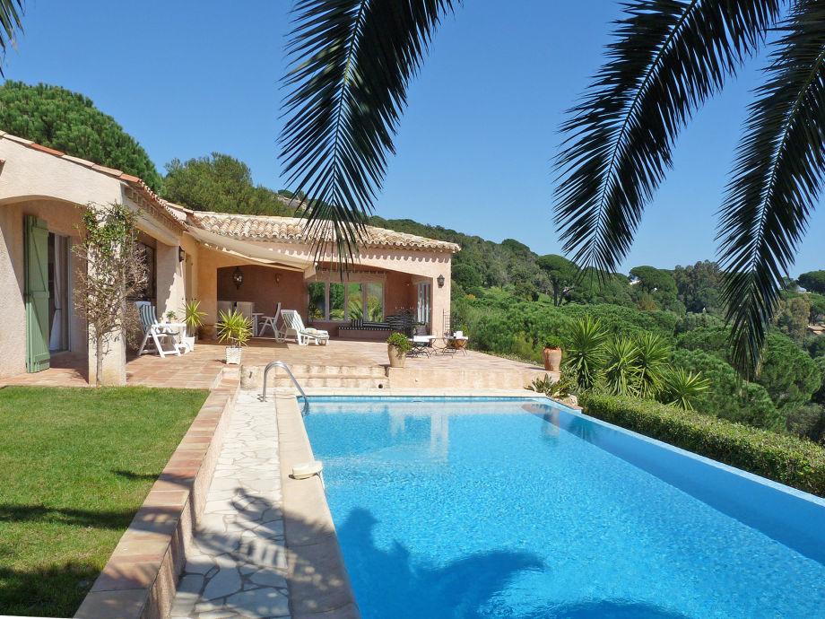 Ansicht Terrasse und Pool