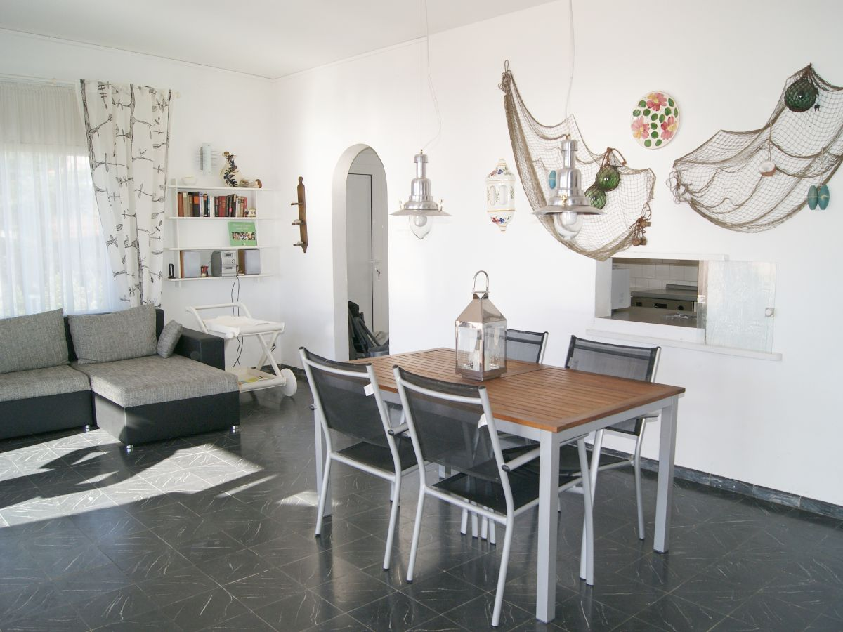 ferienwohnung casa irma grifeu spanien costa brava. Black Bedroom Furniture Sets. Home Design Ideas