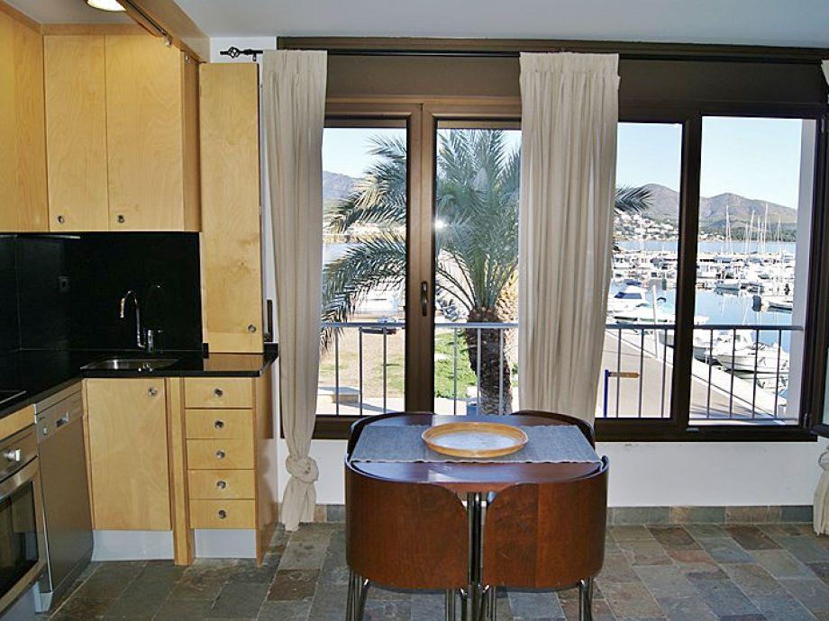 ferienwohnung piso miguel port de llan a costa brava firma finques fabrega goertzen s l. Black Bedroom Furniture Sets. Home Design Ideas
