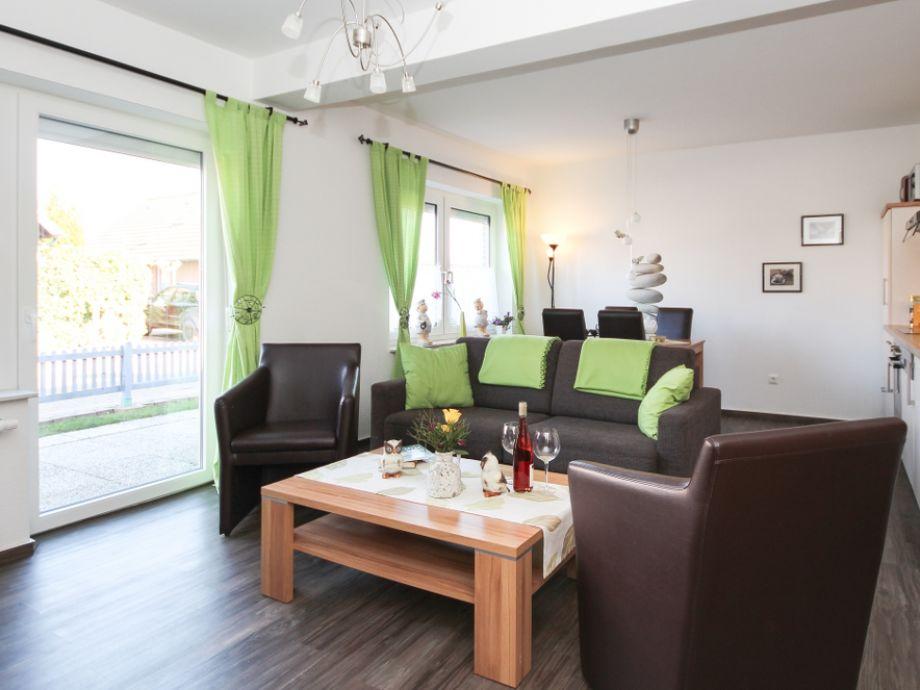 Sofa und zwei Sessel
