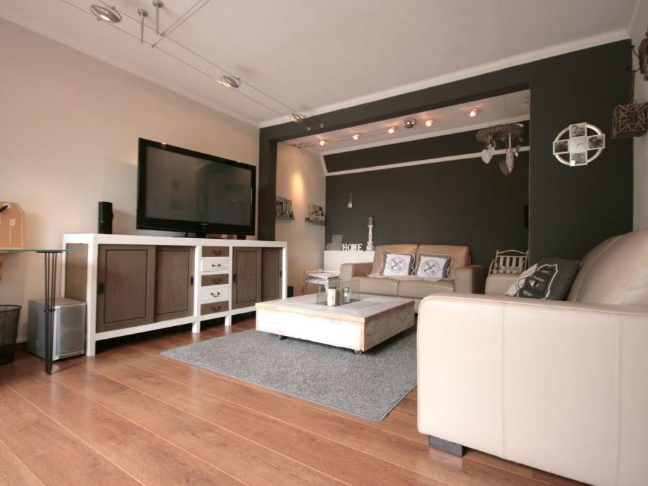 ferienhaus mit garten rundum ijsselmeer lemmer firma aqua state ferienwohnungen frau nina. Black Bedroom Furniture Sets. Home Design Ideas
