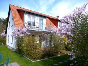 Ferienwohnung Steinbock - Haus am Garten