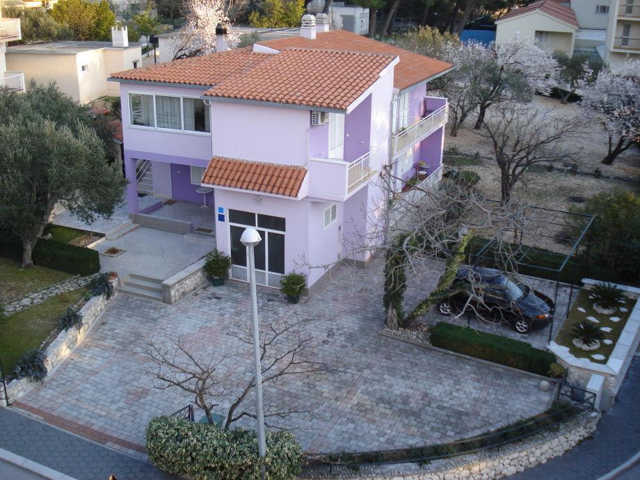 Villa Lilla with surroundings