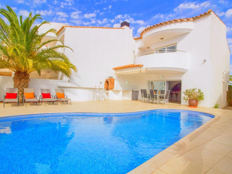 Elegant and luxury villa - 10190