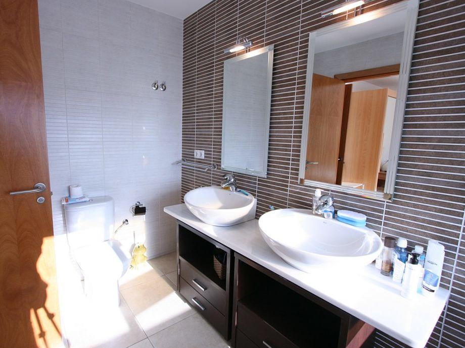 moderne familienvilla mit pool 10030 empuriabrava costa brava firma leon inmobiliaria. Black Bedroom Furniture Sets. Home Design Ideas