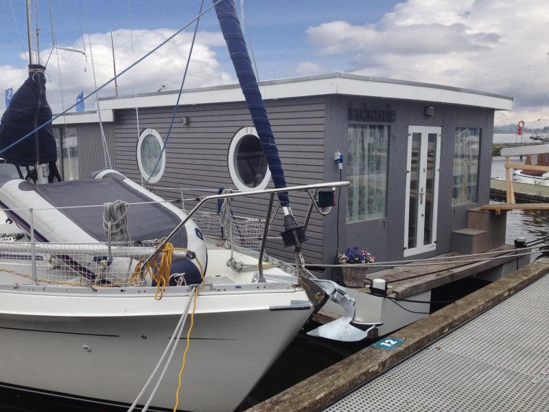 House boat Habitide