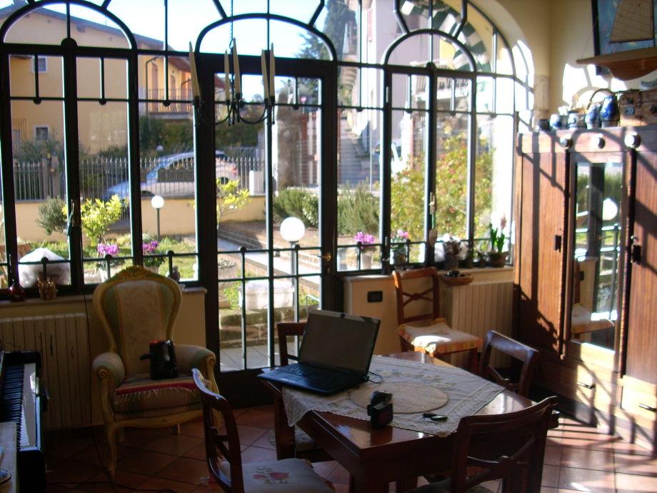 Villa Wohnzimmer : Ferienwohnung in der villa savallo polpenazze gardasee