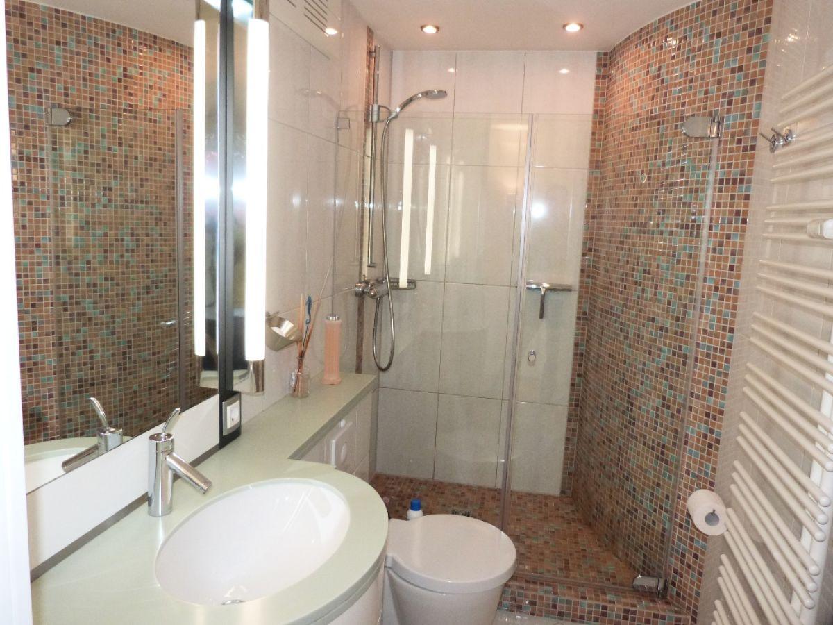 Ferienwohnung hohe worth 401 cuxhaven duhnen firma die for Badezimmer mosaikfliesen