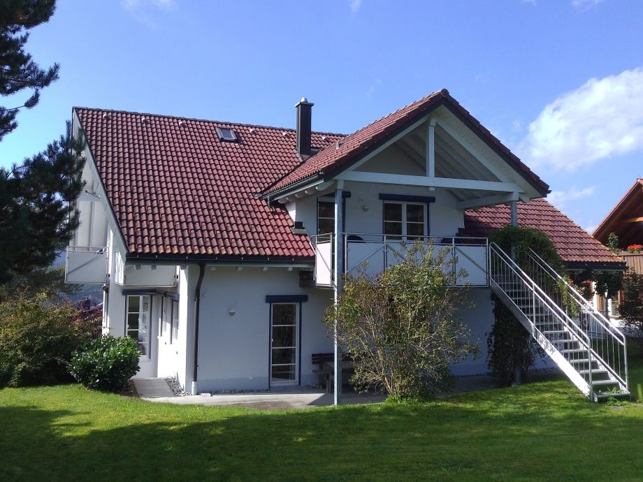 Haus Sternschnuppe mit Garten