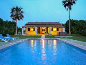 Villa Petita mit Pool und Jacuzzi
