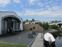 Ferienhaus Dream of Life am Wasser in Lemmer