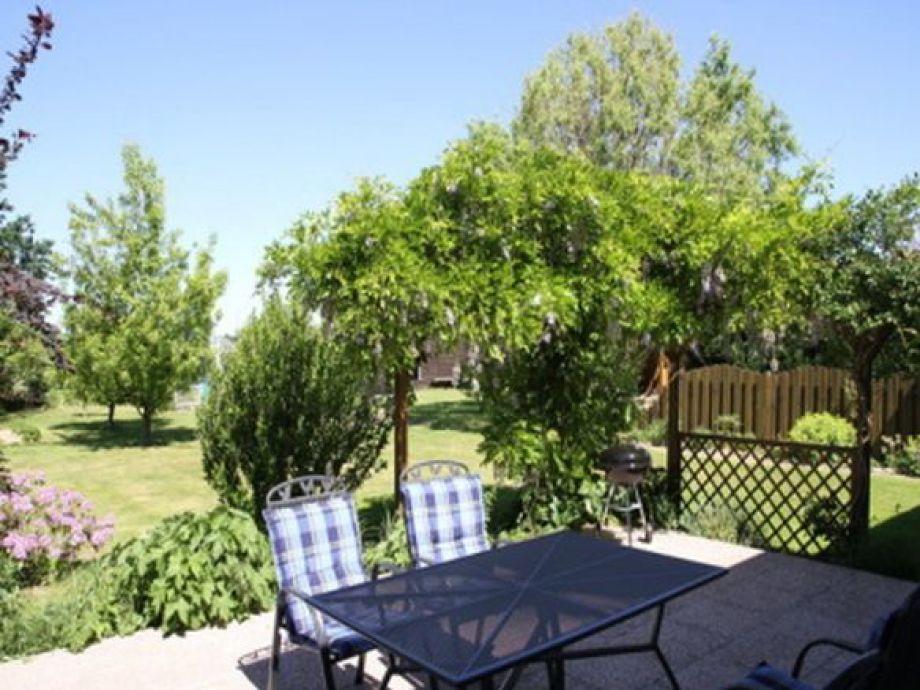 Terrasse mit Zugang zum Garten