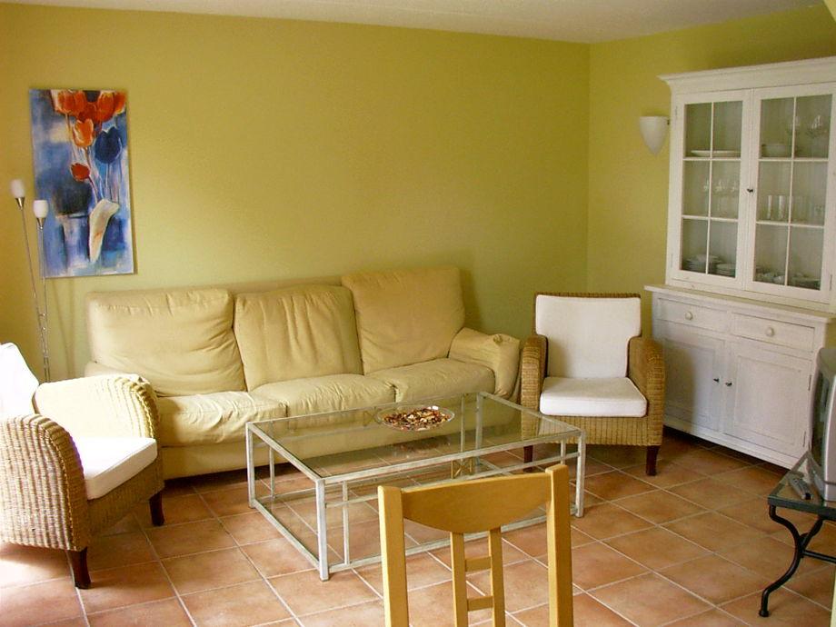 Wohnzimmer mit einer gemütlichen Sitzecke
