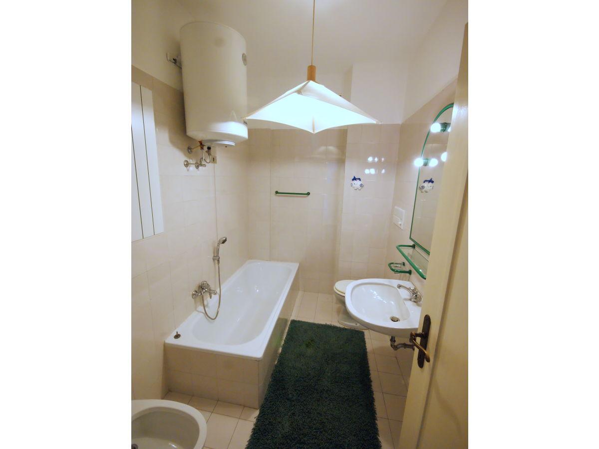 ferienwohnung vignolo park massimo lago maggiore firma la tua casa srl frau katia und gioia. Black Bedroom Furniture Sets. Home Design Ideas
