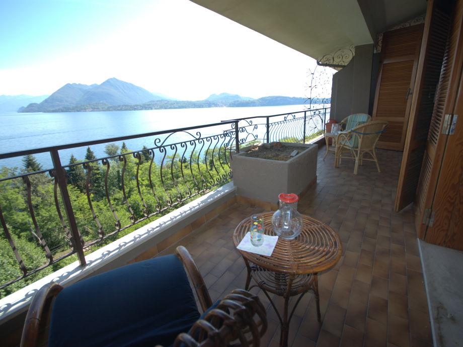Seeblick vom überdachten Balkon