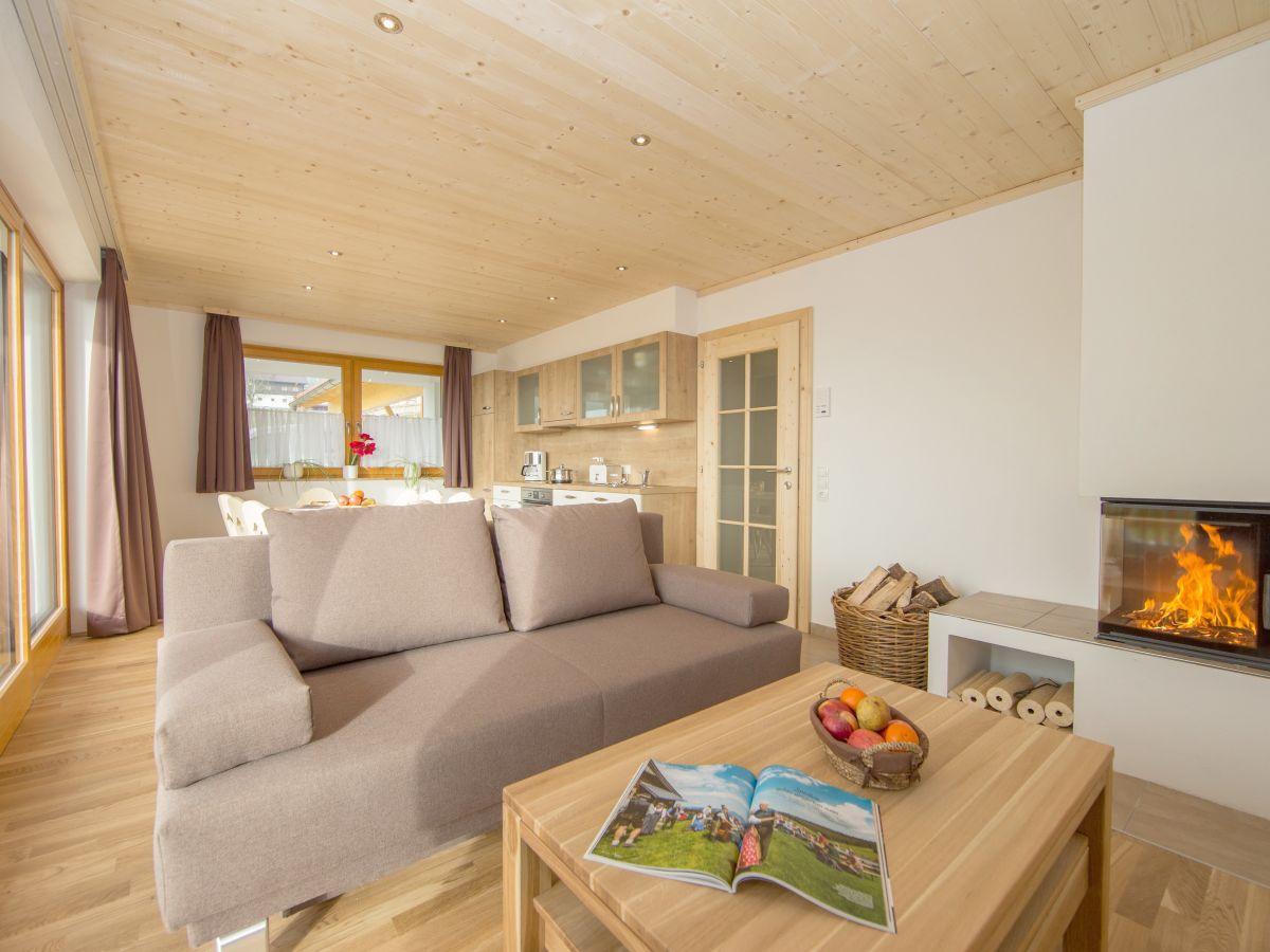 ferienhaus mandl mit pool und sauna zell am see kaprun firma ferienhaus mandl frau. Black Bedroom Furniture Sets. Home Design Ideas