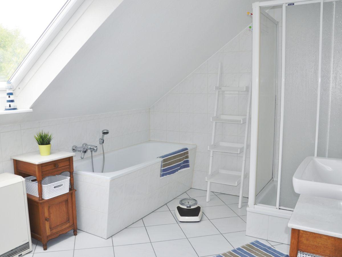 dusche mit wanne bad mit wanne und dusche badgalerie bad. Black Bedroom Furniture Sets. Home Design Ideas