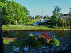 Ferienhaus HBW 21 mit Aussicht & Bootssteg