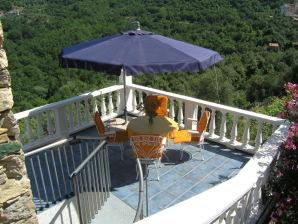 Ferienhaus Casa Ginestra mit Panoramablick in idyllischer Lage