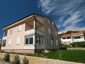 Apartment Miroslav Hrgovcic