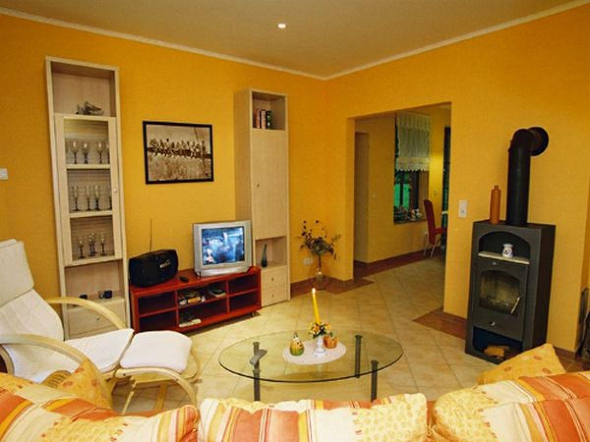 ofen wohnzimmer kosten:Ferienwohnung in Malchow, Mecklenburgische Seenplatte, Malchow – Firma