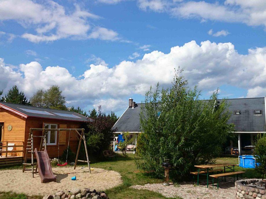 Spielplatz und das Ferienhaus