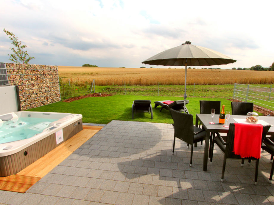 Südterrasse, Garten & Außenwhirlpool - Entspannung pur